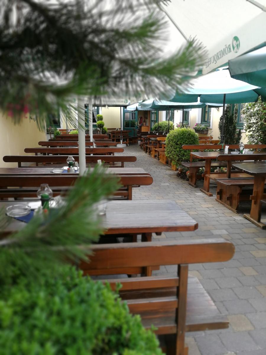 Lokal Enigl Garten